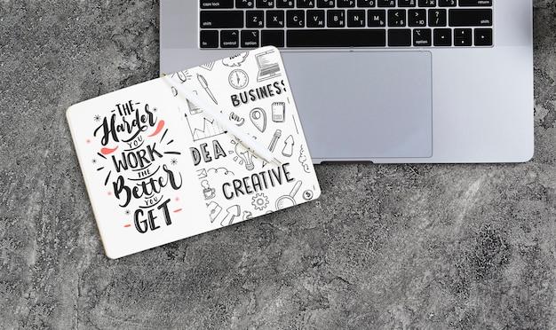 Aranżacja Z Laptopem I Notebookiem Darmowe Psd
