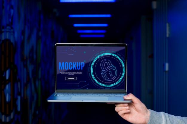 Bezpieczeństwo Cyfrowe Na Laptopie Darmowe Psd