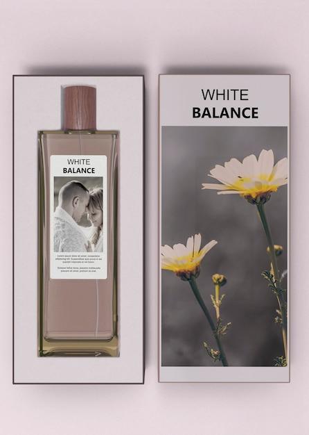 Flakon Perfum W Pudełkach Na Stole Darmowe Psd