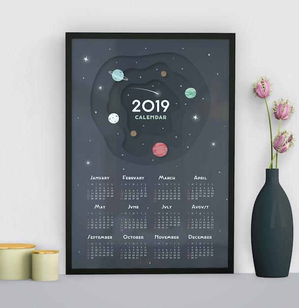 Kalendarz z astronautycznym tło szablonem Darmowe Psd