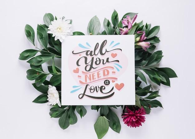 Karta makieta z kwiatów walentynki koncepcja Darmowe Psd