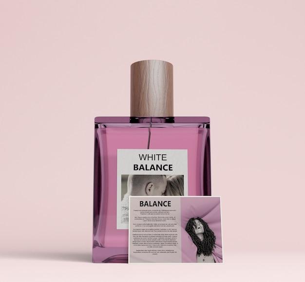 Kwadratowa Butelka Perfum Z Kartą Opisową Darmowe Psd