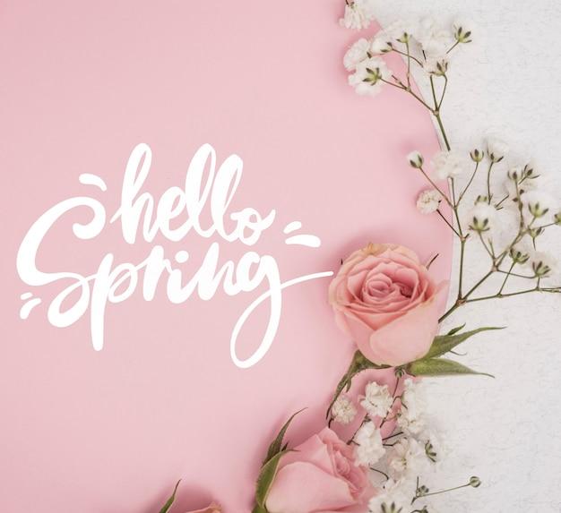 Leżał Płasko Z Różowych Wiosennych Róż Z Innymi Kwiatami Darmowe Psd