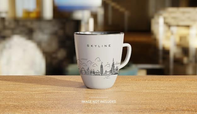 Makieta Ceramiczny Biały Kubek Kawy Z Salonem W Tle Premium Psd