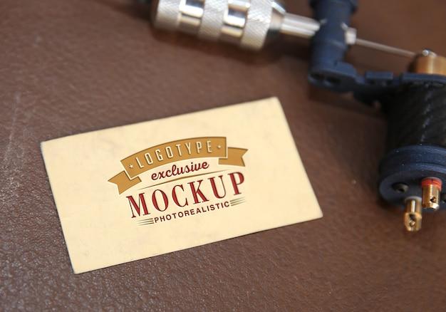 Makieta fotorealistyczne logo w stylu vintage Premium Psd