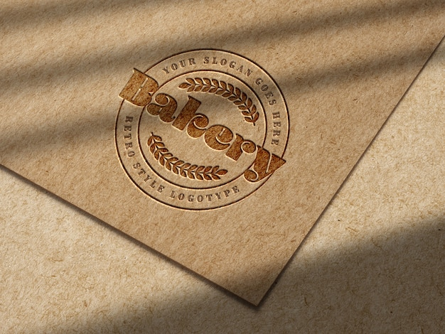 Makieta Z Wytłoczonym Logo Na Papierze Typu Kraft Darmowe Psd