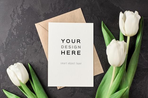 Makieta Z życzeniami Z Kwiatów Koperty I Tulipanów Premium Psd