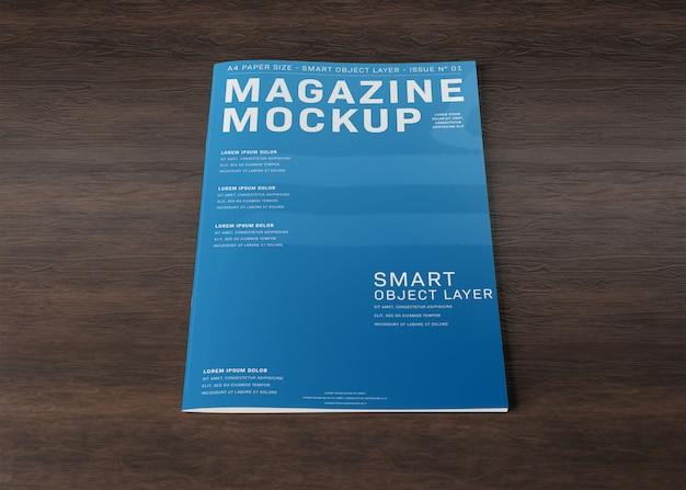 Okładka magazynu na drewnianej powierzchni makieta Premium Psd