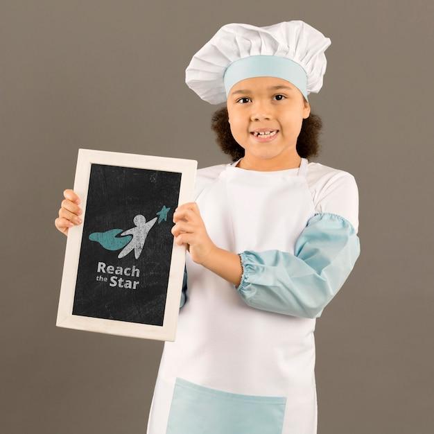 Portret Młoda Dziewczyna Pozuje Jako Szef Kuchni Darmowe Psd