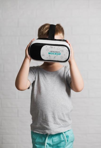 Portret Próbuje Wirtualnej Rzeczywistości Młody Chłopiec Darmowe Psd