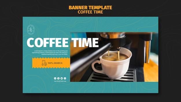 Pyszne Nalewanie Kawy W Szablon Transparent Białe Filiżanki Darmowe Psd