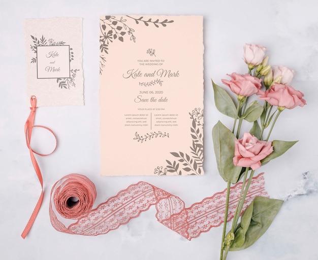 Romantyczne Kwiaty Z Zaproszeniem Na ślub Darmowe Psd