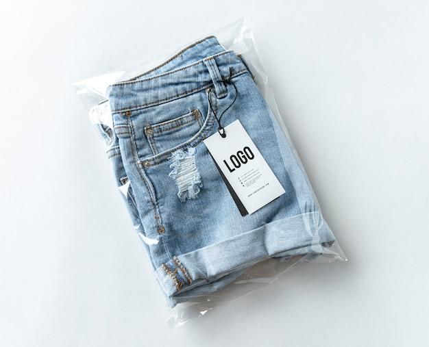 Rozcięte szorty dżinsowe z makietą tagów Darmowe Psd