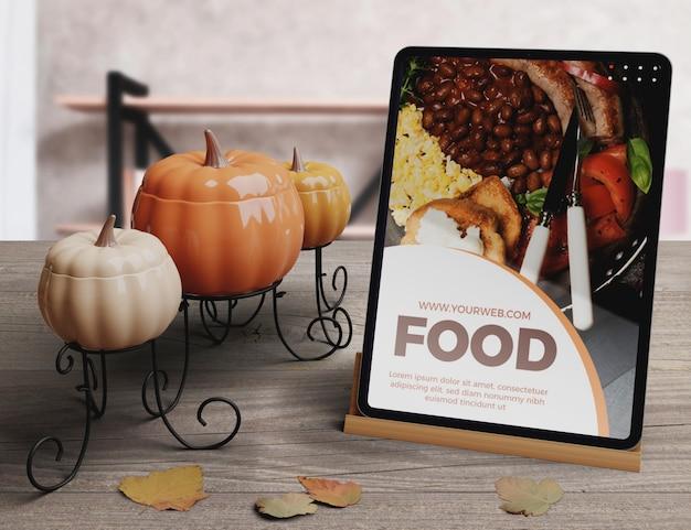 Święto dziękczynienia jedzenie koncepcja na tablecie Darmowe Psd