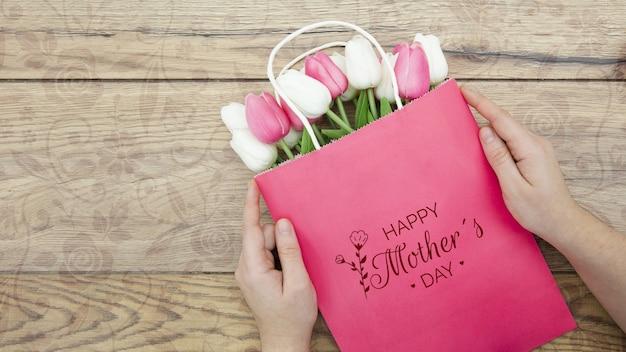 Szczęśliwy Dzień Matki Z Torbą Tulipanów Darmowe Psd