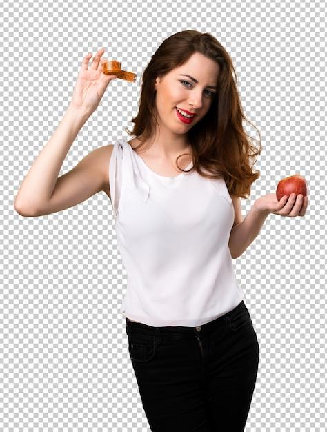 Szczupła Kobieta Z Taśmy Miarą I Mieniem Jabłko Premium Psd