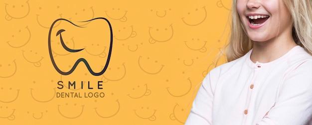 Uśmiech Logo Dentystyczne Cute Młoda Dziewczyna Darmowe Psd