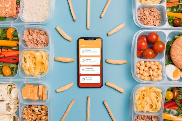 Widok Z Góry Smartfona Z Zaplanowanymi Posiłkami Darmowe Psd