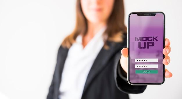 Widok Z Przodu Bizneswoman Gospodarstwa Smartphone Darmowe Psd