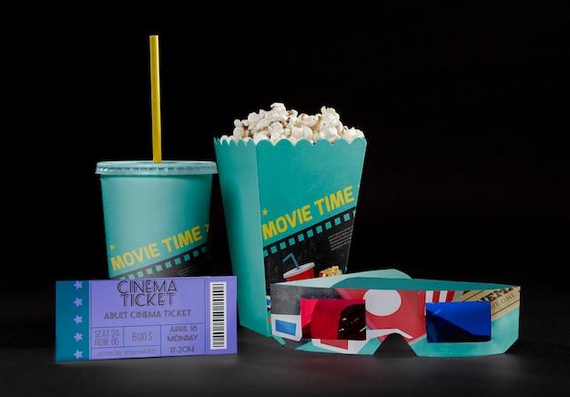 Widok Z Przodu Kinowej Popcornu Z Biletem I Trójwymiarowymi Okularami Premium Psd