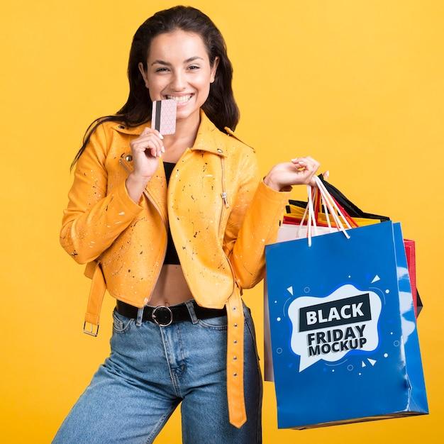 Widok Z Przodu Kobiety Z Koncepcją Czarny Piątek Premium Psd