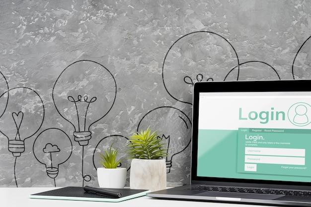 Widok z przodu koncepcja pulpitu z laptopem Darmowe Psd