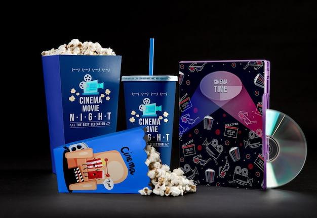 Widok Z Przodu Kubków Popcornu Kinowego Ze Słomką I Dvd Premium Psd