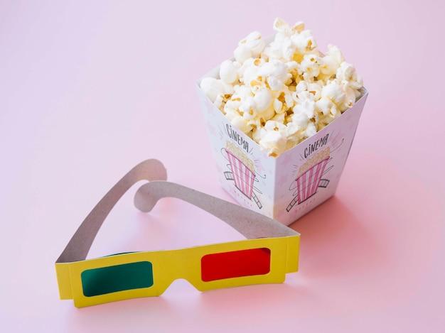 Wysoki Kąt Okularów Kinowych Z Popcornem Darmowe Psd