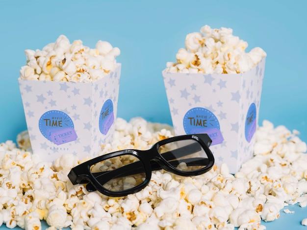 Wysoki Kąt Popcornu W Okularach Darmowe Psd