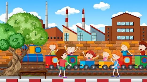 Aktywne dzieci bawiące się na świeżym powietrzu Darmowych Wektorów