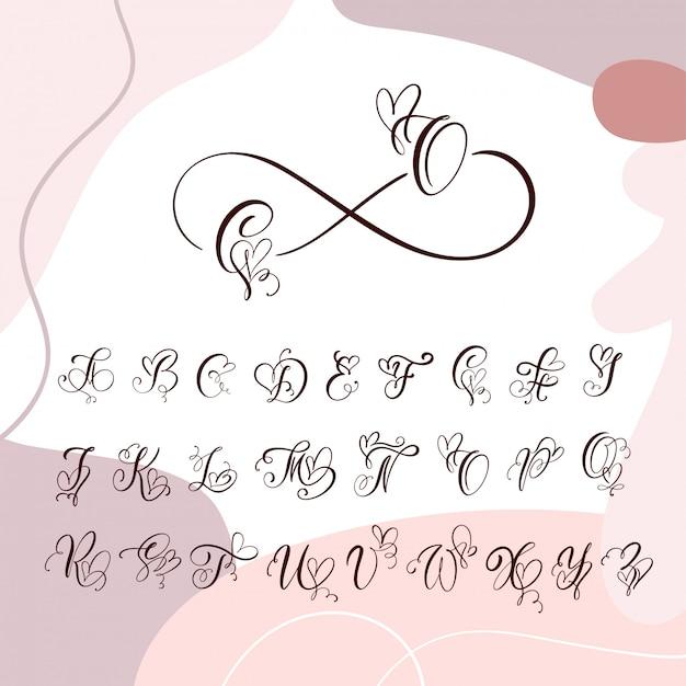Alfabet Monogram Odręcznie Serca Kaligrafii. Czcionka Kursywowa Z Rozkwitającą Czcionką Serca Premium Wektorów