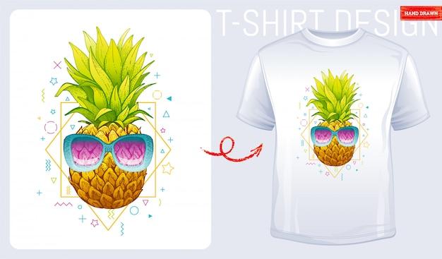 Ananas z nadrukiem koszulki z nadrukiem przeciwsłonecznym. kobiety mody ilustracja w nakreślenia doodle stylu. Premium Wektorów