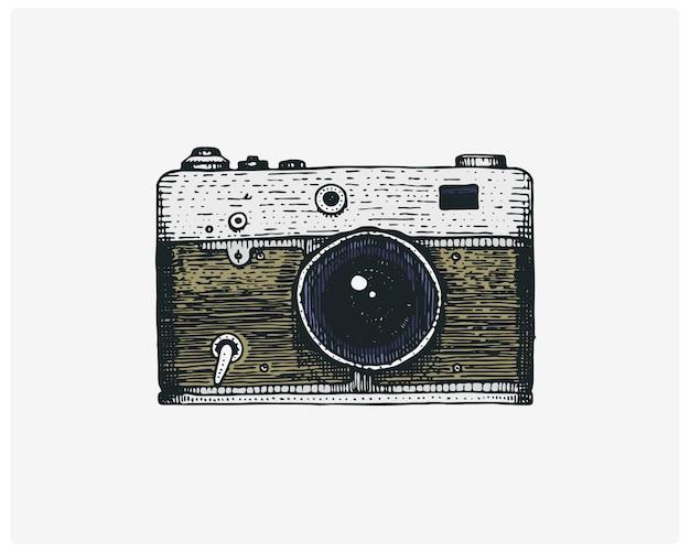 Aparat Fotograficzny Vintage, Grawerowane Ręcznie Rysowane W Stylu Szkicu Lub Cięcia Drewna, Stary Wyglądający Retro Obiektyw, Realistyczna Ilustracja Premium Wektorów
