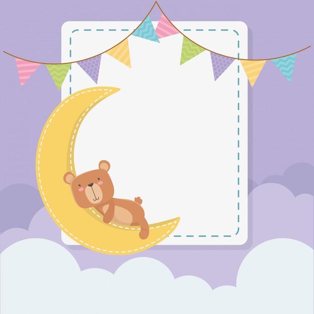 Baby shower kwadratowa karta z małym misiem misiem i księżycem Darmowych Wektorów