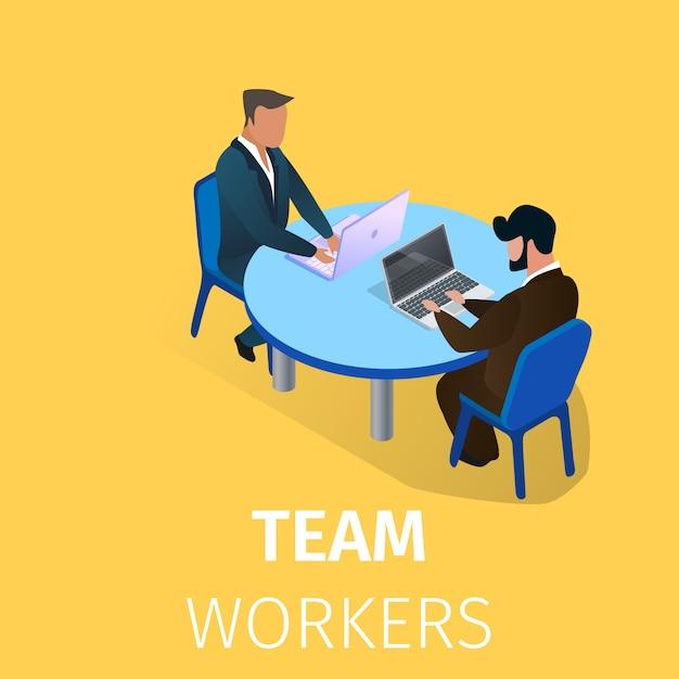 Biznesmeni siedzi przy stole pracy na laptopach Premium Wektorów
