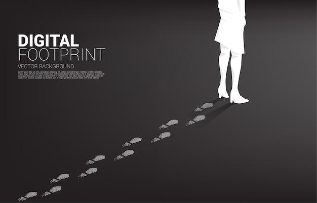 Bizneswoman Z śladu Z Cyfrowego Piksela. Koncepcja Biznesowa Cyfrowej Transformacji I Cyfrowego śladu. Premium Wektorów
