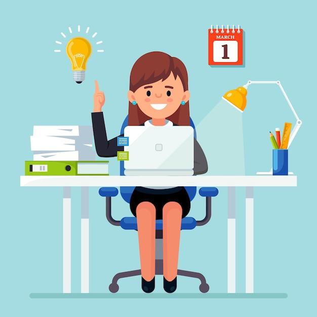 Bizneswoman Z żarówką. Kobieta Ma Dobry Pomysł, Rozwiązanie Problemu Premium Wektorów