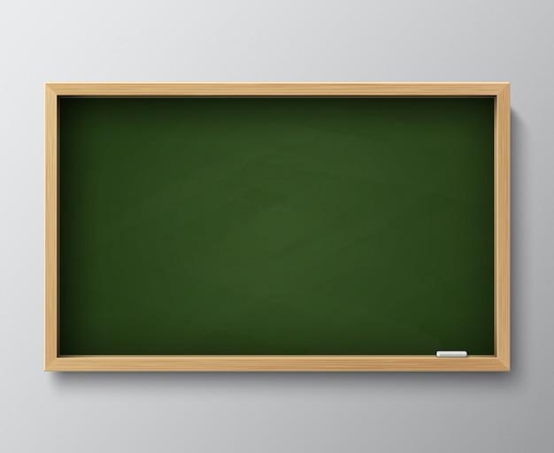 Brudna Pusta Tablica. Zielony Chalkboard Z Drewnianą Ramą I Kredą Dla Sala Lekcyjnej Lub Restauraci Menu Wektoru Ilustraci Premium Wektorów