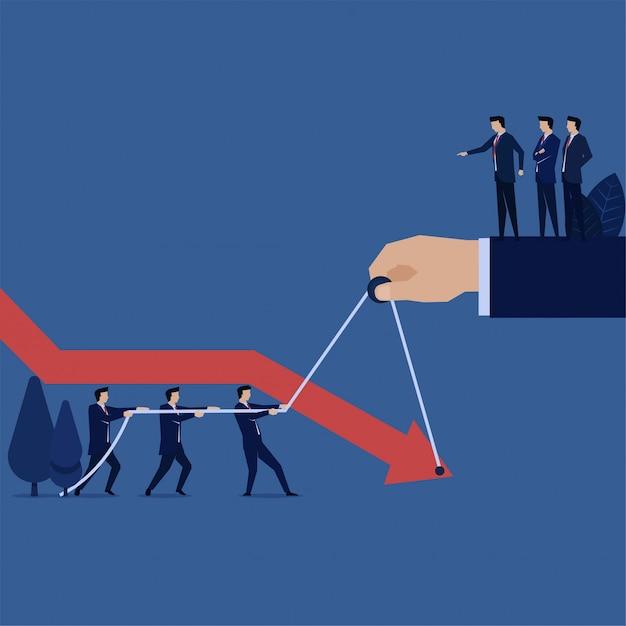 Business manager chce, aby pracownik unikał spadającej metafory wykresu utraty bankructwa i kryzysu. Premium Wektorów