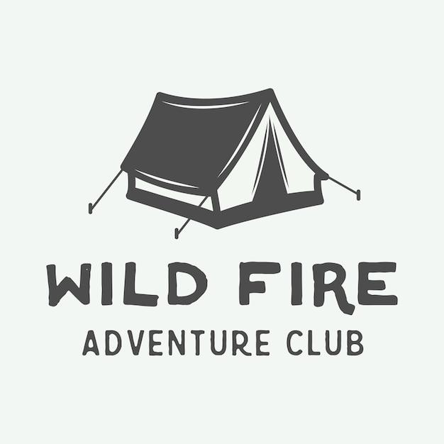 Camping outdoor i logo przygodowe Premium Wektorów