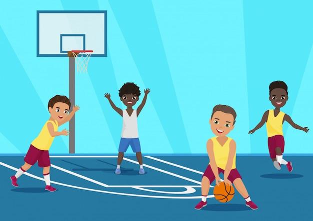 Cartoon Ilustracja Dzieci Gry W Koszykówkę W Szkole. Premium Wektorów