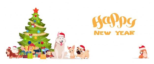 Choinka I Słodkie Psy W Santa Kapelusze Na Białym Tle Happy New Year Banner Holiday Gr Premium Wektorów