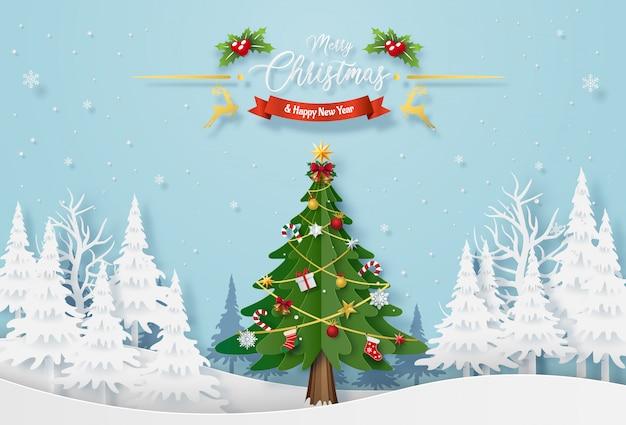 Choinka z dekoracją w lesie z śniegiem Premium Wektorów