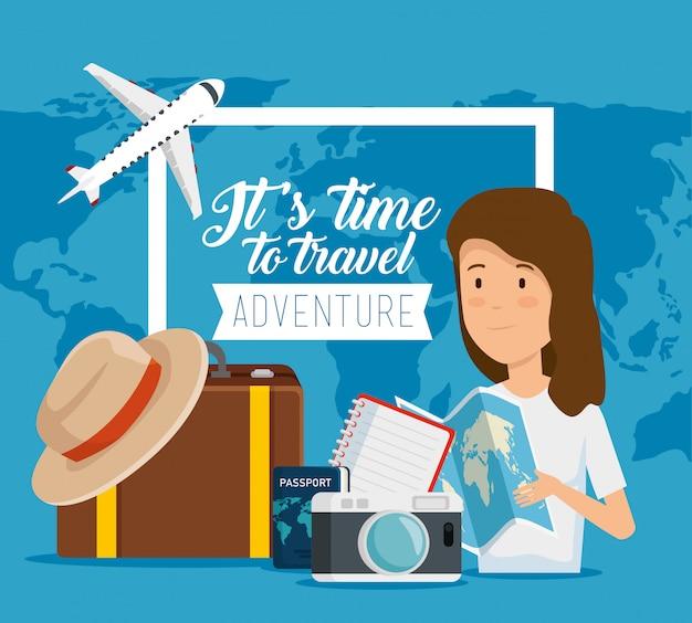 Czas na podróż. kobieta z globalnym bagażem globalnym i podróżnym Darmowych Wektorów
