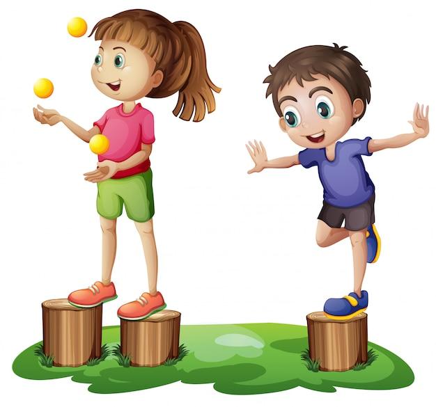 Dzieci bawiące się nad pniakami Darmowych Wektorów