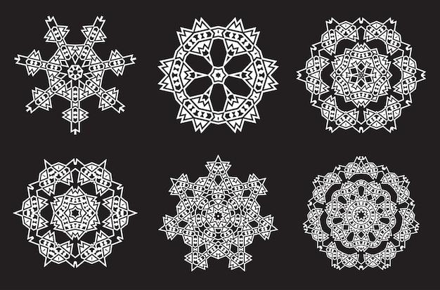Etniczna Fraktalna Medytacja Mandali Wygląda Jak Płatek śniegu Premium Wektorów