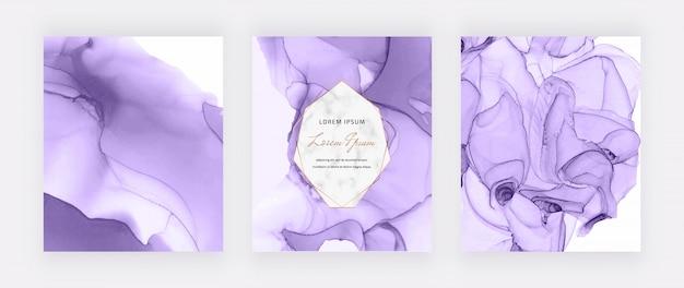 Fioletowe Okładki Z Tuszu Alkoholowego I Geometryczna Marmurowa Rama. Streszczenie Ręcznie Malowane Tła. Premium Wektorów