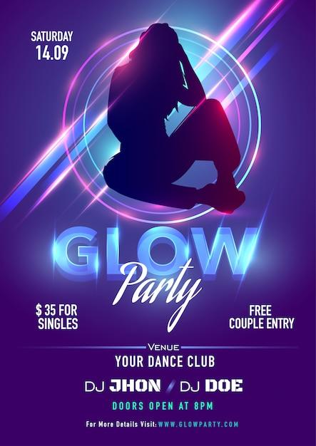 Fioletowy projekt zaproszenia lub ulotki z sylwetką kobiety i promieniami świetlnymi na imprezę glow party. Premium Wektorów