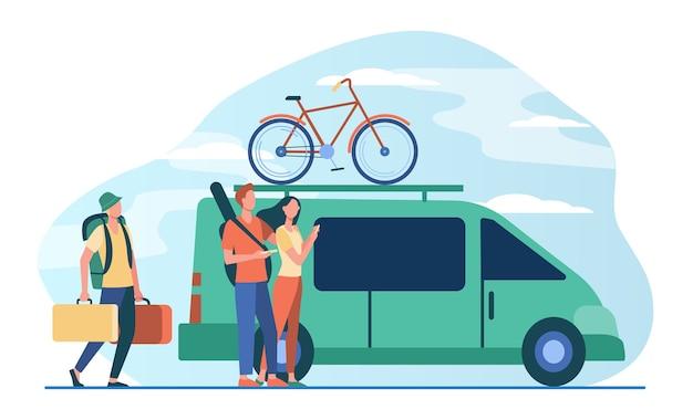 Grupa Aktywnych Turystów Gromadząca Się Przy Pojeździe. Minivan Z Rowerem Na Górze Ruchomej Płaskiej Ilustracji Darmowych Wektorów