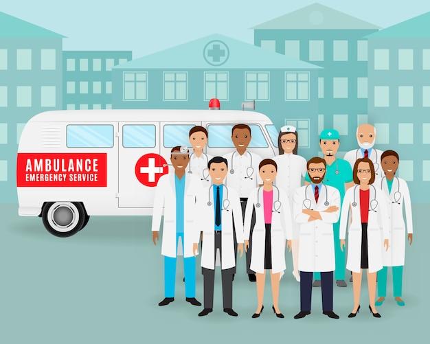 Grupa lekarki, pielęgniarki i retro ambulansowy samochód na pejzażu miejskiego tle. pracownik pogotowia medycznego. Premium Wektorów